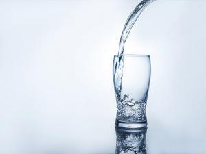 夏季高温炎热养生补水是首选